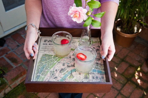 Diy vintage map lined tray.   Via- Valley & Co. Lifestyle