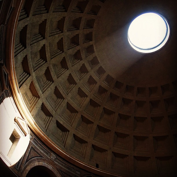 Dome of The Pantheon #Rome #Italy #Italia #instagram #instamood #instagood #tweegram #ig #igers #igmania #webstagram #monument #temple (tomada con Instagram en Roma, Italia)