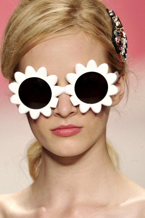 fashion-ocd: Moschino Cheap & Chic Spring 2010 Details