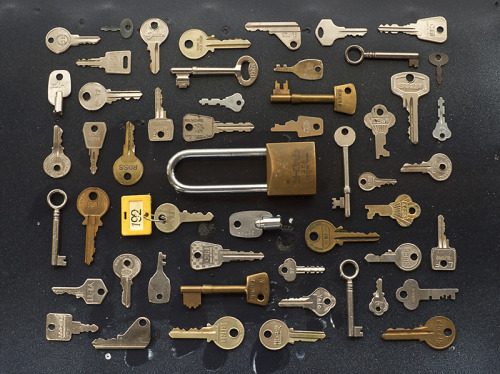 thingsorganizedneatly:  SUBMISSION: Photograph of old keys for an article on security in issue 20 of I, Science magazine. Magazine: I, Science. Photo: Peter Larkin