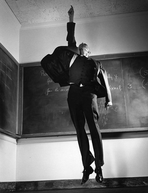 lionskeleton:  Jumpology | Philippe Halsman