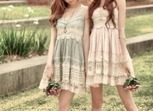 i love this two dresses *-* they're so cute :))