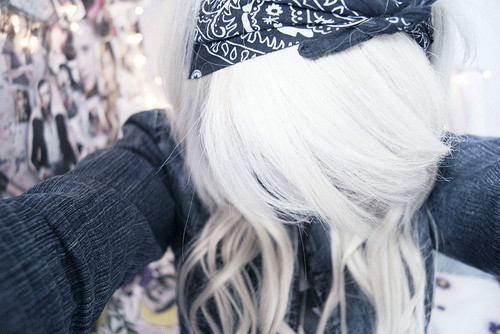 hernameisunknown:  white hair.
