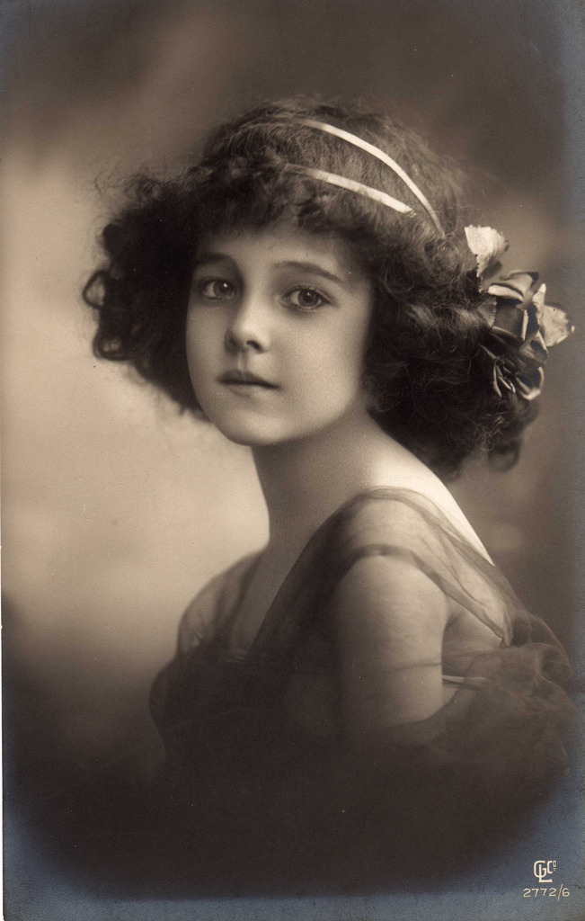 benaltrecose:  Unknown girl, 1911