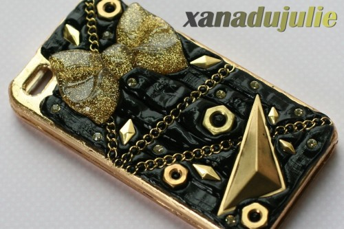 New in Ready to Ship! Black & Gold kawaii case! $30.00 **ANNOUNCEMENT: ALL DOMESTIC ORDERS NOW INCLUDE TRACKING (US ONLY)**