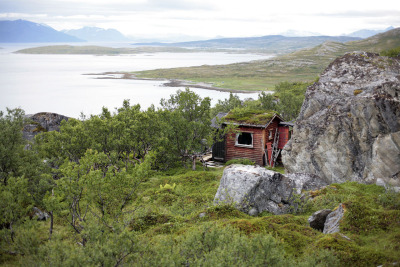 cabinporn:  Remote cabin on the Norwegian island of Vannøya. Submitted and photographed Jack Hobhouse.