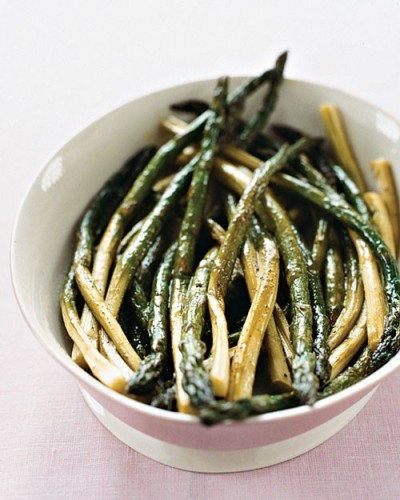 Making this tonight!  (via food / Oven-Roasted Asparagus - Martha Stewart Recipes)