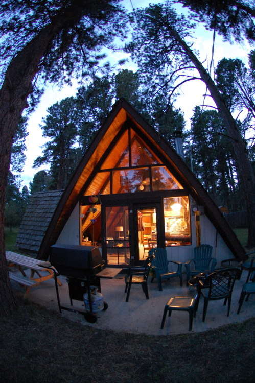 seawhyines:   Photo By: SeaWhyInEs -My Cabin