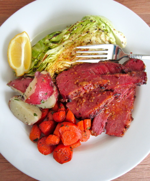 How long do you bake corned beef in the oven