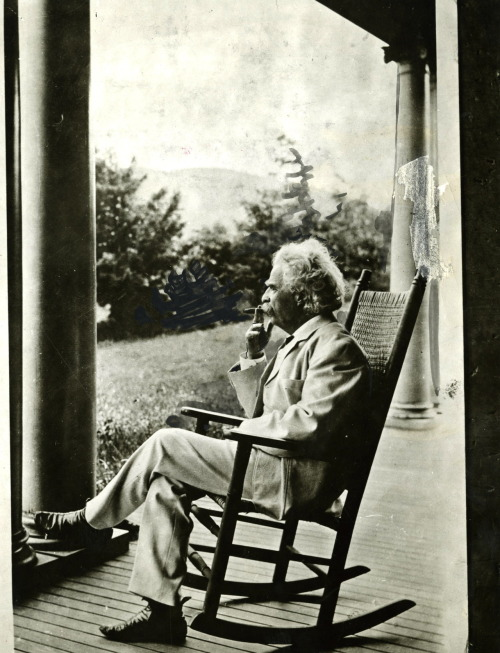 Mark Twain dictating his autobiography in Dublin, New Hampshire in the summer of 1906.