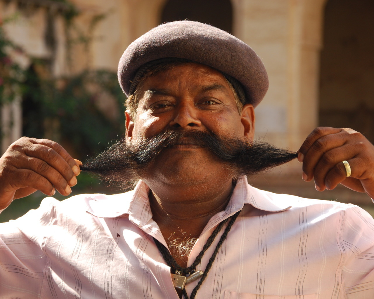 best moustache award, Bundi