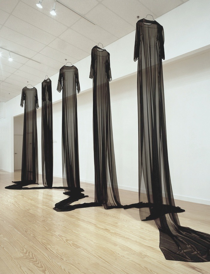 efedra:  Mary Tuma - Homes for the Disembodied Next Piece, 2000