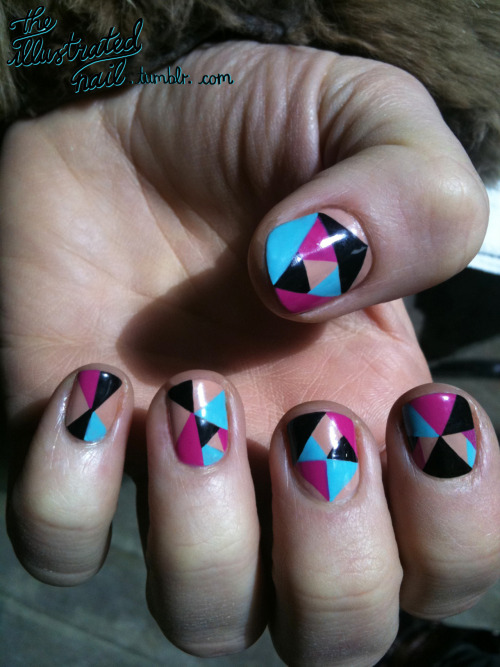 theillustratednail:  Kaleidoscope…  <3 i want these!