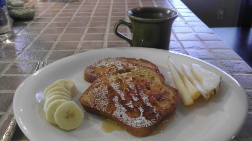 GF/DF French Toast <3  Use Udi's bread for the perfect French toast! Yum!