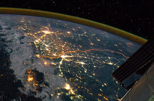 iindia:  TIME.com:  EarthA photo taken from the International Space Station shows the India-Pakistan border on August 21, 2011. Because the border is floodlit for security purposes, it appears as a jagged orange line in this image.   crazy.