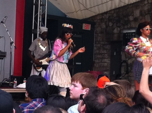 Santigold kickin' it at Spin Live at Stubb's this afternoon, to a full house — enthusiastic crowd, but she's a little subdued for her dance-y jams… A set full of hits, she did turn it up by bringing fans up on the stage. What separates her from other young soul/r&b-infused electropop? I guess her image and some luck. Regardless, shit's getting crazy up there — ass wigglin', lots of outfit-changing and horse suits (?) permeate through the heavy bass.