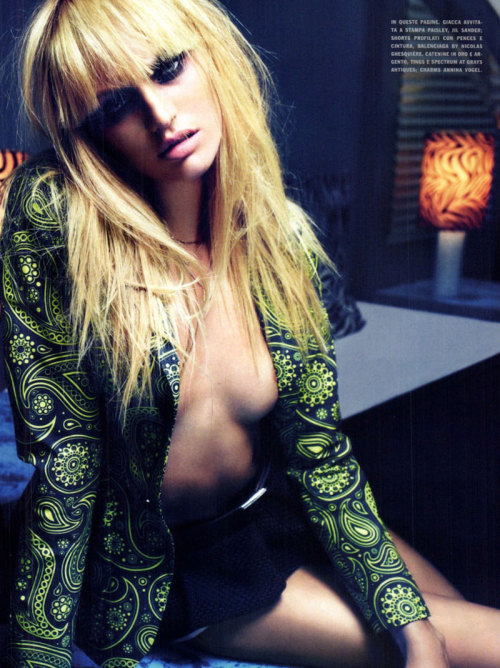 desperateneedofchanel:  Candice Swanepoel by Mario Sorrenti for Vogue Italia March 2012