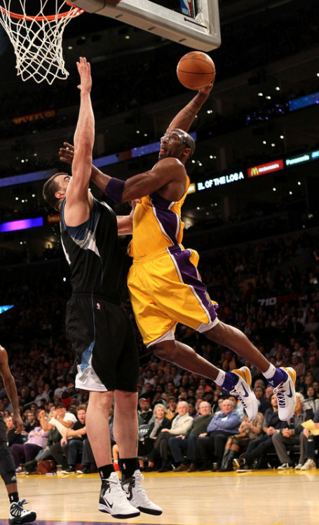 fuckyeahlakers:  28 points, 4 rebounds, 3 assists and 2 blocked shots. The most impressive part of his game tonight was his 5-8 shooting from downtown. The Lakers collectively shot 10-22 from 3-pt. range.