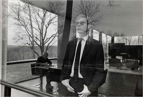 via hiredgoons Andy Warhol, with Philip Johnson and David Whitney, at the Glass House.