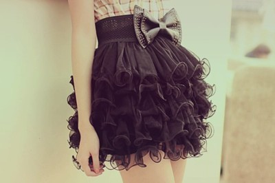 . .mad about lace skirts and girly girl bows @_@