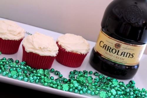 Happy St. Patrick's Day! Looking for a yummy treat to make? Try out my Marbled Irish Cream Cupcakes. :-) http://www.sweettoothsweetlife.com/2012/03/13/marbled-irish-cream-cupcakes-with-irish-cream-frosting/ ~Courtney