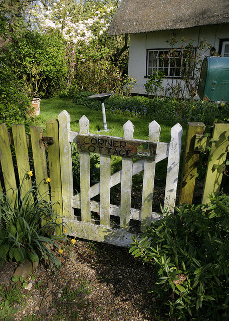 COTTAGE GATE by Adam Swaine on Flickr.