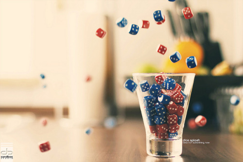 dice splash by Maegondo on Flickr.