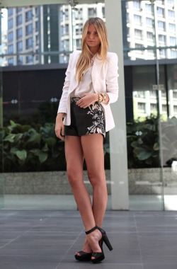 what-do-i-wear:  Shakuhachi shorts, Zara shirt, Michael Kors watch, Benah cuff, Gorjana necklace, Vintage and Jacquie Aiche rings. (image: tuulavintage)