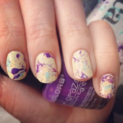 SPLAT! Easy peasy (and very fun) nails
