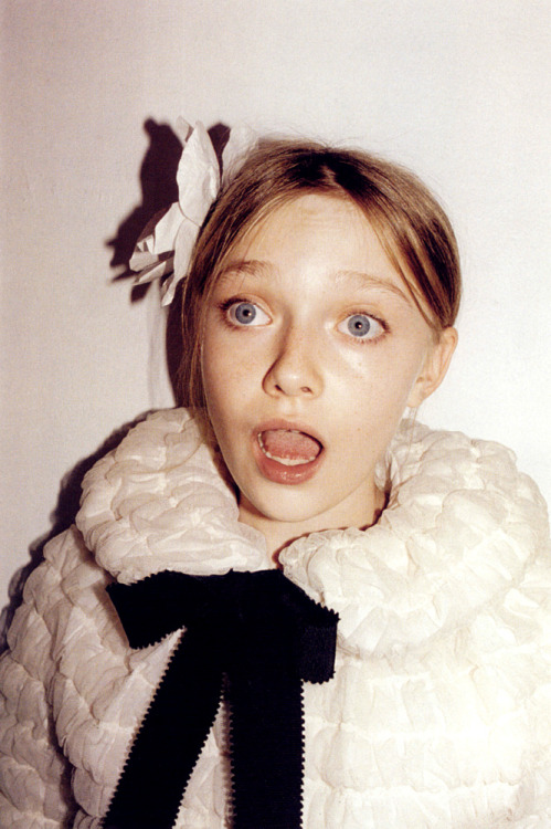 chopandcrop:  Dakota Fanning by Juergen Teller for Marc Jacobs Spring 2007 ad campaign  stupid hoe