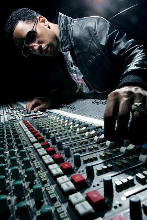 "@RyanLeslie - ""Swiss Francs"" Preview Here is a sequence of b-roll footage from the 'Les Is More' documentary that's cut to an audio preview of ""Swiss Francs"".  Leaving the Harlem Jets speaking engagement to pick up a deposit for a live appearance and eventually meet up with Fabolous (@myfabolouslife) to listen to the final ""Beautiful Lie"" remix.  CLICK THE PIC for the video. This does NOT contain any footage from the official ""Swiss Francs"" music video, which was filmed in black and white and shot on location between the Wall Street area of New York and Zurich, Switzerland."