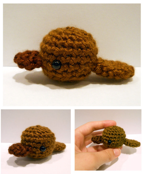I made a little platypus like this back at AnimeFest as a commission. Thought I'd revisit it and write the pattern down this time. I want to make more tiny animals like this, they remind me of tamagotchis. The white rabbit I made to go with Alice was using the same base. I'm thinking of calling them Tamami animals and making a decent sized set of them!
