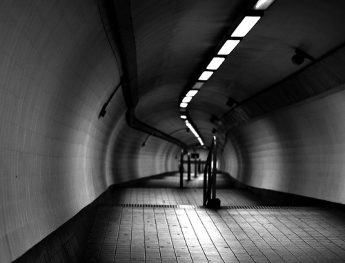 B&W Underground Subway by Izenhower on Flickr.