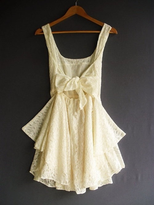 I love this dress. Forever reblog.