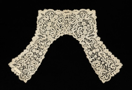 omgthatdress:  Carrickamoss Lace Collar 1890 The Metropolitan Museum of Art This is a good example of traditional Irish cutwork lace, known as Carrickmacross, with traditional Irish motifs incorporated into the design. Carrickmacross lace was often made at home as a craft rather than in professional ateliers, but nevertheless has an appealing quality.