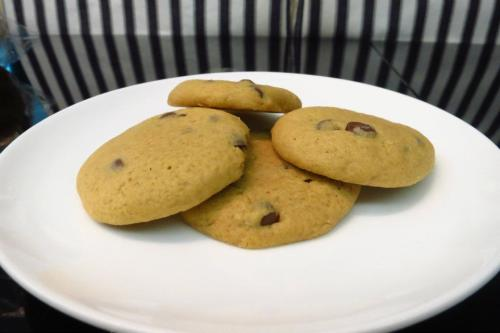 banana chocolate chip cookies Recipe: makes 38 mini cookies 2 sticks softened butter 3/4 cup packed light brown sugar 1 cup granulated sugar 2 large eggs 1 tsp pure vanilla 2tsp banana extract 3 1/2 cups flour 1 teaspoon salt 1 teaspoon baking soda 10 oz bag chocolate chips Preheat oven to 350 degrees. Cream butter and sugars together with a mixer until well combined. Beat in eggs and vanilla. In a separate bowl mix the flour, salt and baking soda. Slowly add to wet ingredients along with chocolate chips until just combined. Using a cookie scoop take one scoop of cookie dough and place on top of an Oreo Cookie. Take another scoop of dough and place on bottom of Oreo cookie. Seal edges together by pressing and cupping in hand until Oreo cookie is enclosed with dough. Place onto a parchment or silpat lined baking sheet and bake cookies 9-13 minutes or until golden brown. Let cool for 5 minutes before transferring to cooling rack.