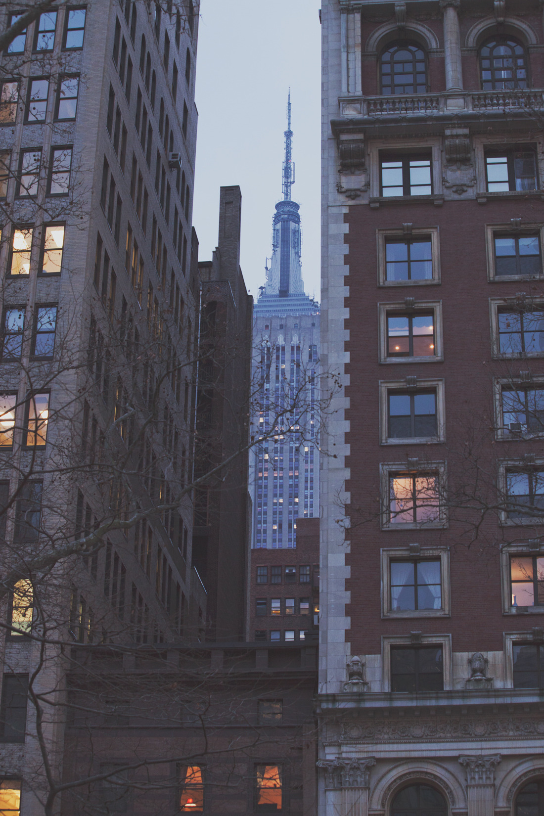 Playing hide and seek with buildings in NYC. (by Moey Hoque)