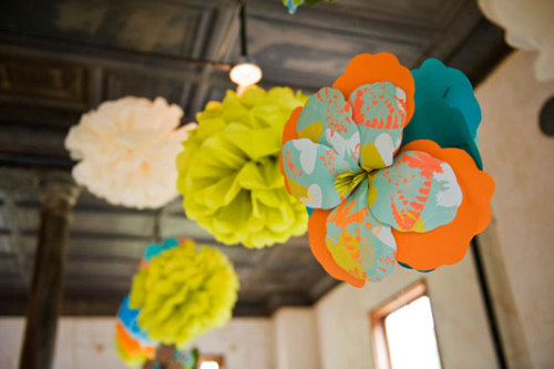 free download: paper flowers tutorial & template via I Do it Yourself