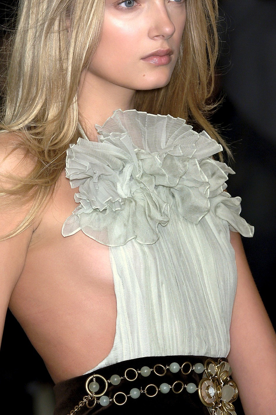 deus-e-x-machina:  Lily Donaldson at Chloe SS 07