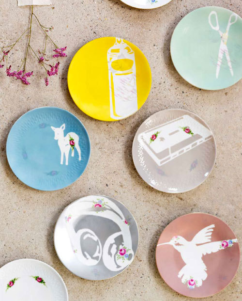 scissorsandthread:  Customised Plate Art by 101 Woonideeen | Bloesem There's three things you can be guaranteed to find in Op Shops: microwave cookbooks, novels by John Grisham and floral china plates! Well you can't really make anything arty out of the first two (er, except maybe microwave cake?!) but the third can make these super pretty decorative plates. I would love these with different bird shapes or even words. Try Etsy for some more inspiration!