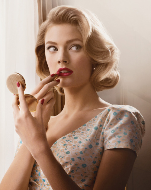 mademoiselle-vogues:  Constance Jablonski for Estee Lauder Mad Men