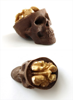 owls-love-tea:  Chocolate skulls with walnut/candy brain  Buy them here: shop.