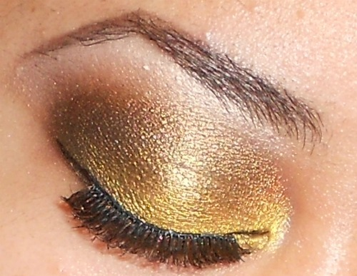 makemeupbywhitney:   Tutorial here  http://youtu.be/RdSTbTFAm3c I used Lime Crime's Eye Dust in Treasure Chest & Diva   http://www.youtube.com/user/MakeMeUpbyWhitney?feature=mhee