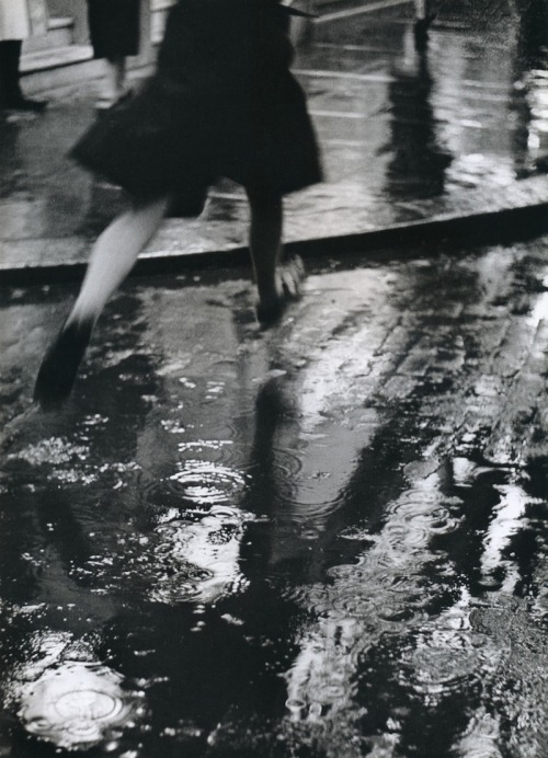 snowce:  Wolfgang Suschitzky, Charing Cross Road, London, 1937
