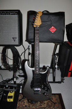I LOVE THIS Fender Blacktop Strat with Floyd Rose