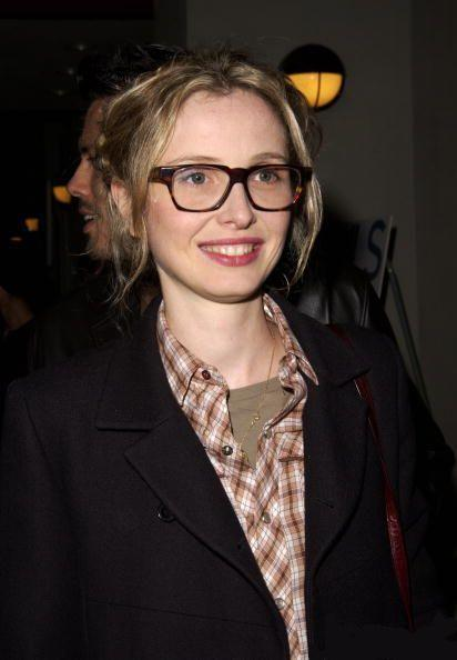 fuckyeahfrenchgirls:  Julie Delpy looking cute in glasses. Le swoon.