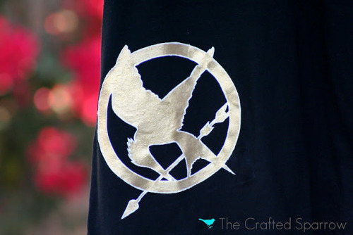 DIY Hunger Games T-shirt (freezer paper stencil) via The Crafted Sparrow