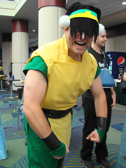My sis showed me clips of the side-episode… And Man-Toph was my favorite Toph, that she even agree!