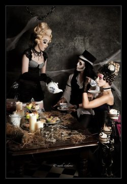creepy tea party ^^