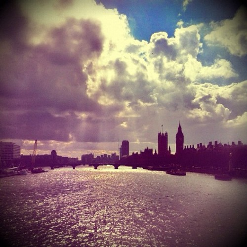 My City #mylondon #igerslondon #the100club #londonpop #popboom #europopp #1001803 #squaready #snapseed #pixlromatic #igscout #instagood #city #london #view #Thames (Taken with instagram)